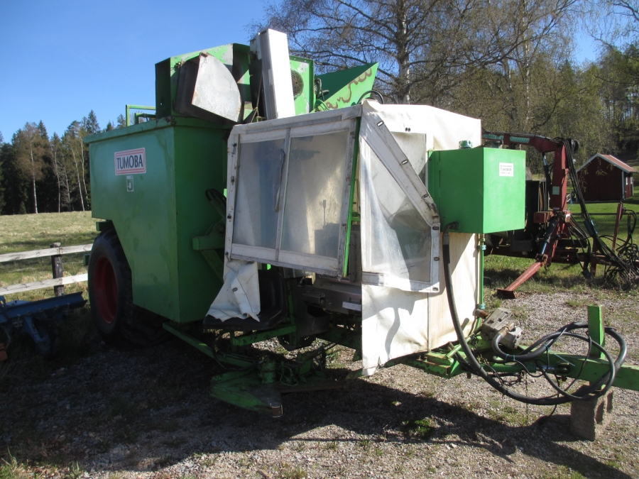 brussel sprout harvesting machine